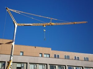 Self Erecting Tower Crane on a new Apartment Block in Hounslow